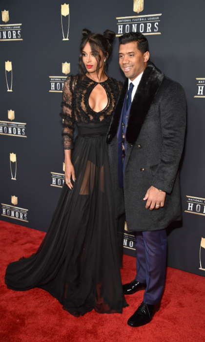 Ciara wore a gorgeous Uel Camilo gown, Hueb diamond earrings and a Djula diamond ring and while attending the NFL Honors on February 3th in Minneapolis, Minnesota. The singer arrived at the University of Minnesota with her hubby, NFL star Russel Wilson.