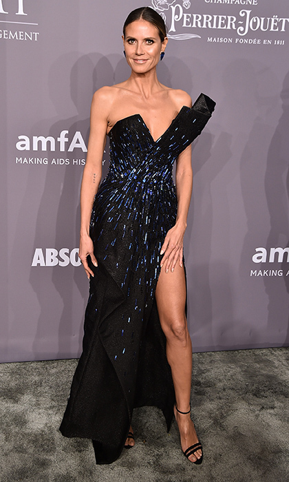 Va-va-voom, Heidi Klum! The supermodel stunned in a sparkling asymmetrical Zuhair Murad couture gown.
