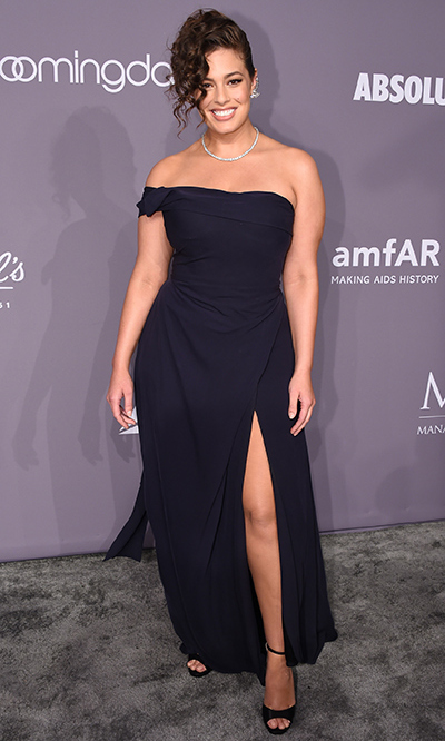 "<a href=""https://us.hellomagazine.com/tags/1/ashley-graham/""><strong>Ashley Graham</strong></a>, who recently posed with her 53-year-old mom for a <a href=""https://us.hellomagazine.com/fashion/12018020625835/ashley-graham-mom-linda-graham-bikini-campaign/""><strong>bikini fashion shoot</strong></a>, looked gorgeous in a black gown and diamonds. 