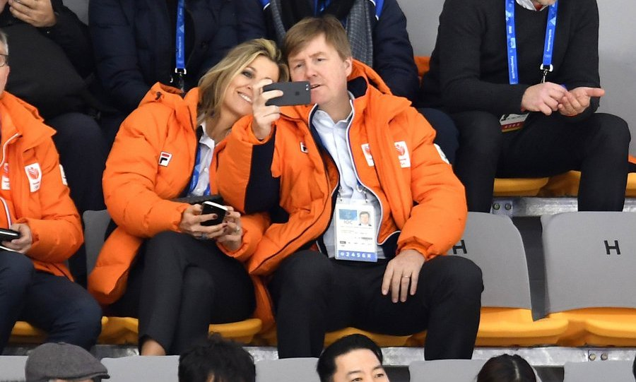 Holland's King and Queen, Williem-Alexander and Maxima of the Netherlands, took a break from cheering on their country's team at the 2018 Winter Olympics in Pyeongchang, South Korea in order to capture their sporty date for posterity.