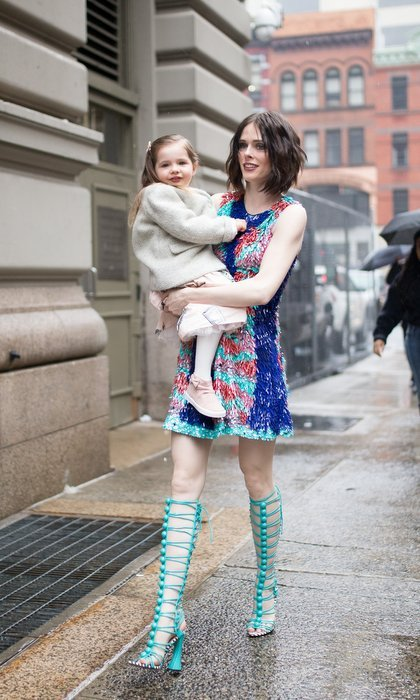 One of our favorite Fashion Week duos has to be supermodel Coco Rocha and her daughter Ioni! The pair couldn't have looked more stylish with their mother-daughter style as they made their way to the see the latest creations by Christian Siriano, the mind behind Coco's fun minidress.