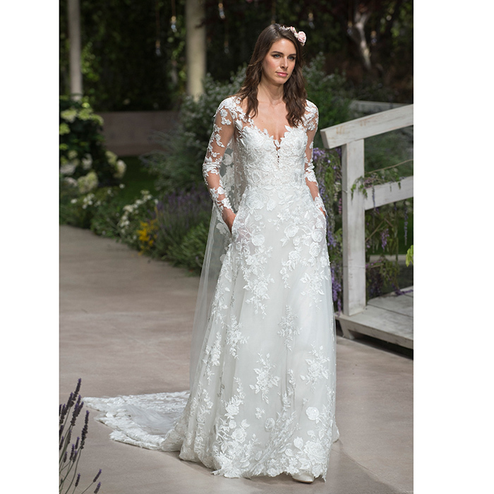 Barcelona Bridal Week: Long-sleeved wedding dresses like Kate ...