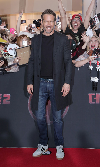 Ryan Reynolds got the K-Pop star treatment as he arrived at the premiere of his latest film Deadpool 2 in Seoul, South Korea.