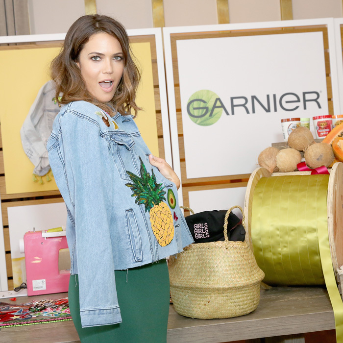 Mandy Moore hosted the ultimate girls' night with Garnier in West Hollywood where she made this custom denim jacket perfect for the warm weather.