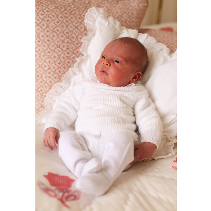 The set of photos released on May 6, 2018 also included a solo portrait of little Prince Louis. In this photo the newborn wears the same sweater donned by sister Princess Charlotte in her first official baby pics.