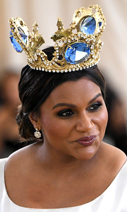 <I>A Wrinkle in Time</I> star Mindy Kaling was a true queen in a gorgeous oversized crown by Greek jewelry designer Pericles Kondylatos.