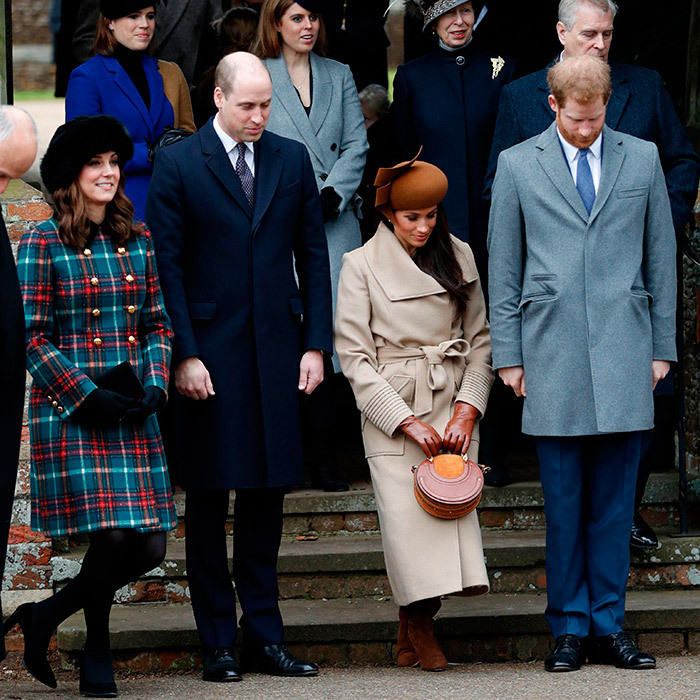 THE CURTSEY