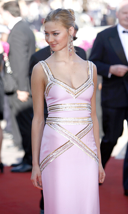 Then the girlfriend of future husband Pierre Casiraghi, Beatrice Borromeo exuded Hollywood glamour at the 'Marie Antoinette' premiere at Cannes 2006. 