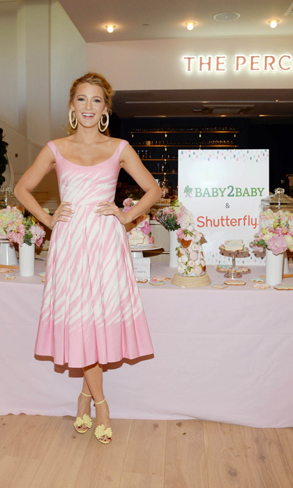 Blake Lively, who is known to have a sweet tooth, of course ventured to the dessert table at the Baby2Baby Mother's Day party that was hosted by Shutterfly at The Wing Dumbo in Brooklyn, New York.