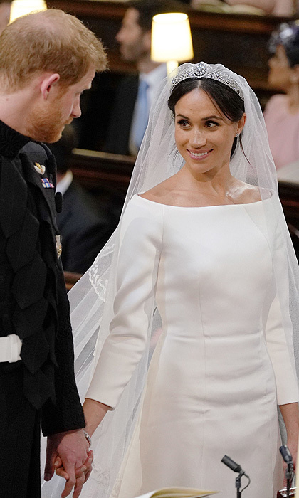 <b>THE MAKEUP</B>