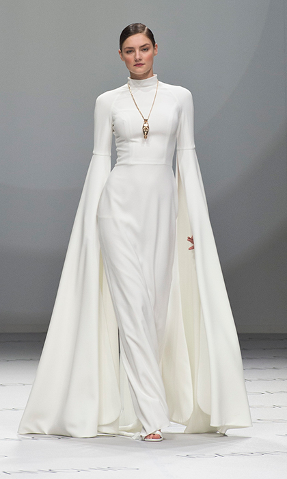 Sleek And Unfussy Wedding Day Looks Don T Have To Lack Drama The Cape