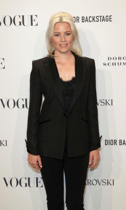 Elizabeth Banks looked chic in all black at the VOGUE Fashion Party at Kunstareal am Weissensee on July 6 in Berlin, Germany. 