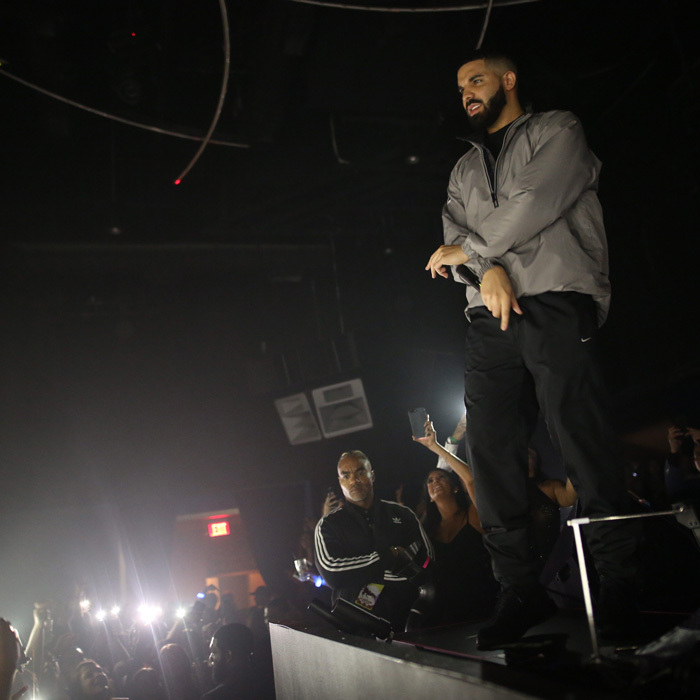 After his concert in Philadelphia, Drake headed to Atlantic City, New Jersey where he surprised partygoers in DAER Nightclub at the Hard Rock Hotel & Casino with a set of his songs <i>Sicko Mode</i>, <i>In My Feelings</i> and <i>God's Plan</i>.
