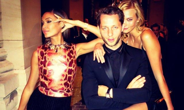 Derek Blasberg, @derekblasberg – journalist by trade, Derek Blasberg's Instagram photos are a who's who of the fashion world. He blends a mix of famous faces – think Jessica Alba, Karlie Kloss, Alexa Chung and Naomi Campbell – with tidbits of fashion gossip.